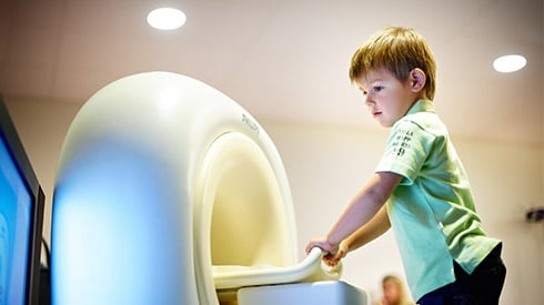 Trying out a scan helps reassure kids